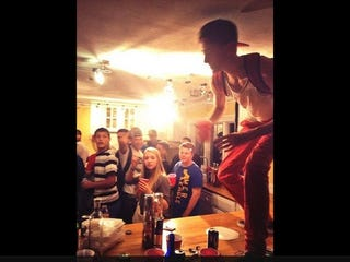 Teens throw huge party at former nfl lineman 39 s house while for How to throw a big party
