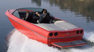 Illustration for article titled Corvette Speedboat Comes Equipped With Actual 505-HP 'Vette Engine