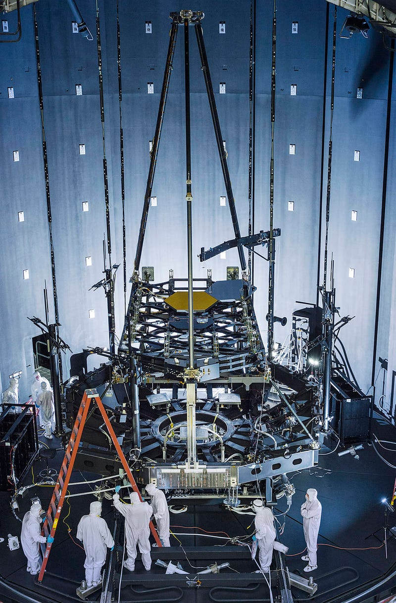 Illustration for article titled The Webb Telescope Construction Looks Like The World's Best Erector Set