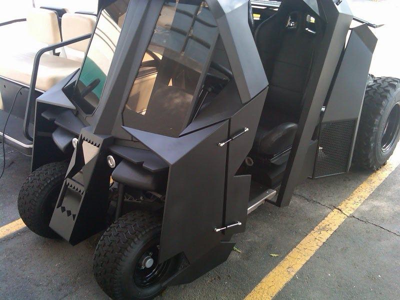 Illustration for article titled Bruce Wayne's Obnoxious Golfmobile
