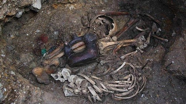 """Ancient """"Tomb of the Serpent Jaguar Priests"""" Discovered in Peru"""