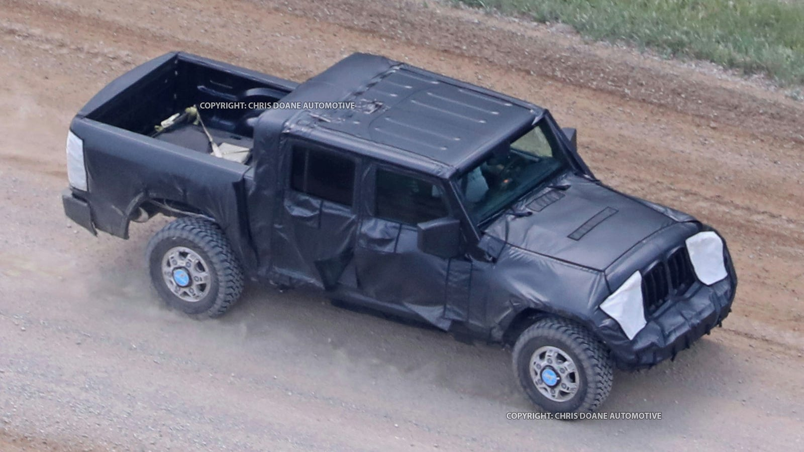 2018 jeep scrambler.  2018 the jeep wrangler pickup is happening and this it in 2018 jeep scrambler