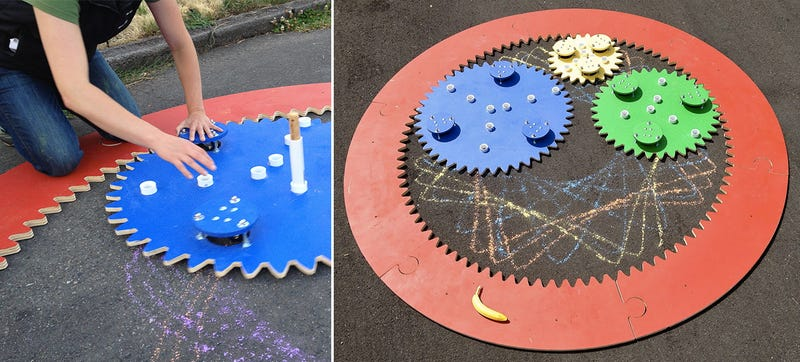 Illustration for article titled Guy Builds Giant Spirograph, Takes Chalk Art To the Next Level