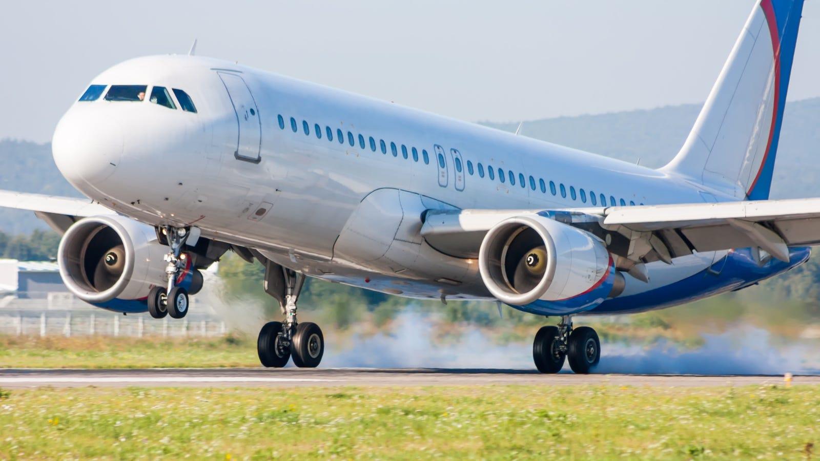 Por qu no explotan las ruedas de los aviones al impactar contra la pista de aterrizaje - Que peut on emmener en avion ...