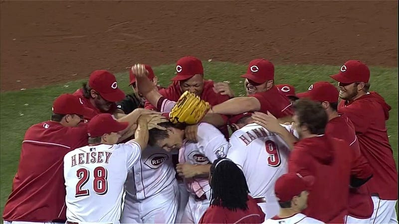 Illustration for article titled Homer Bailey No-Hits Giants, Joins Exclusive Club Of Pitchers