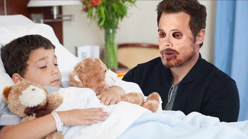 Illustration for article titled Heartwarming: Chris Pratt Surprised This Terminally Ill 'Iron Man' Fan By Visiting Him Wearing Robert Downey Jr.'s Skin