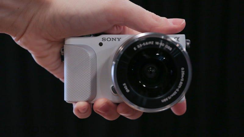 Sony NEX-3N Hands-On: The Teeny Tiny Interchangeable Lens Camera