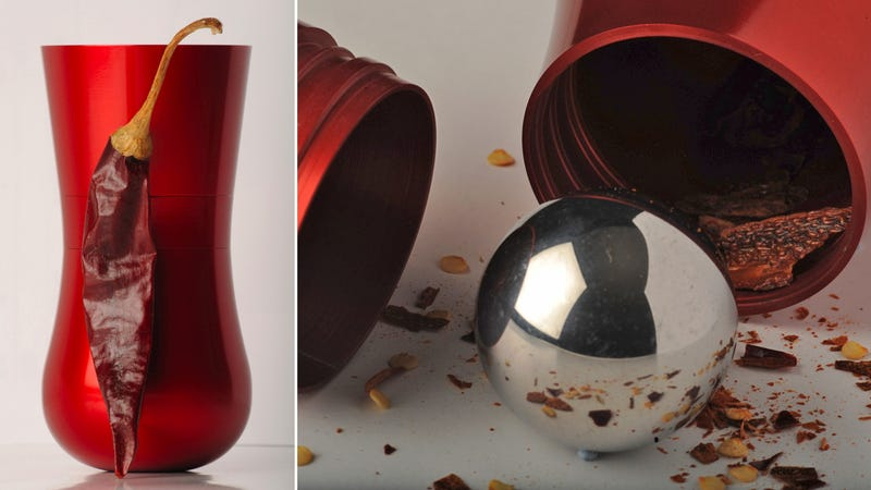 Illustration for article titled Shake This Curvaceous Spice Grinder For Perfectly Pulverized Seasonings