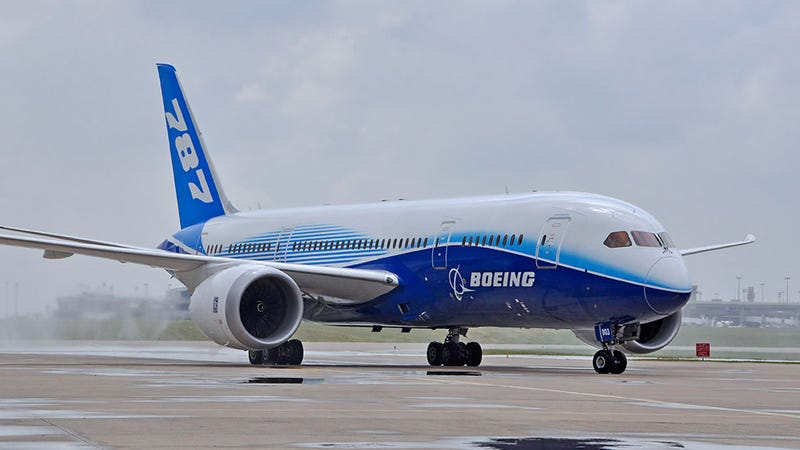 "Illustration for article titled FAA Review Concludes 787 Dreamliner Is Safe After ""Teething Pains"""
