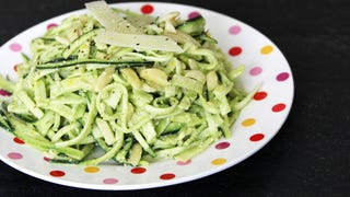 ​Two Ways to Turn Vegetables Into Noodles Without a Spiralizer