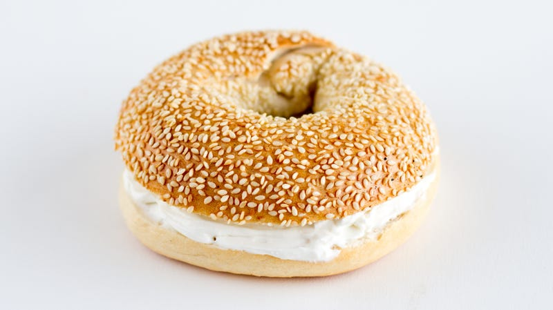 Illustration for article titled Apple will add cream cheese to previously pathetic bagel emoji