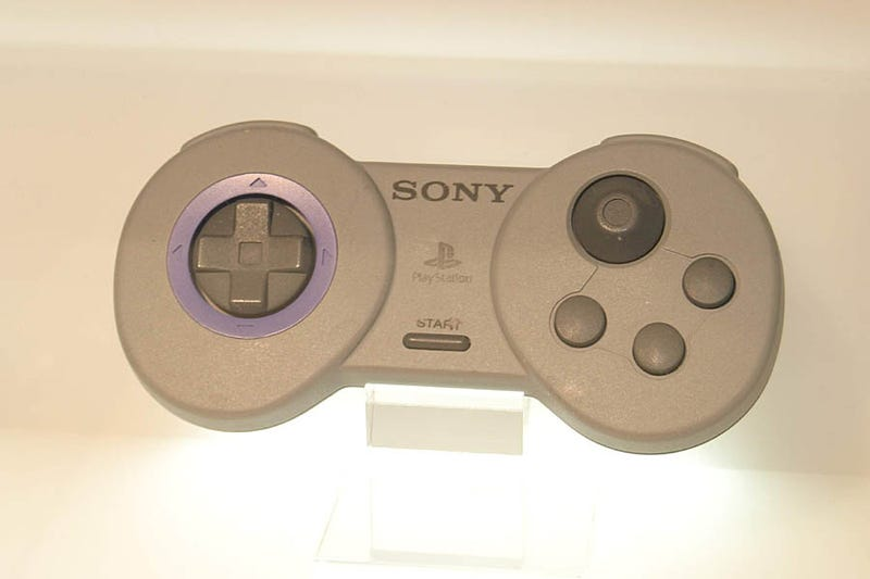Illustration for article titled The Original PlayStation Controllers Looked Stupid (Thank God for Evolution!)