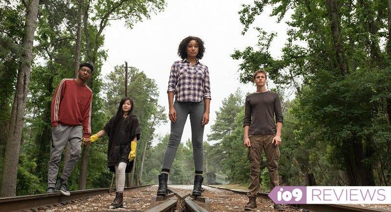 Skylan Brooks, Miya Cech, Amandla Stenberg, and Harris Dickinson star in The Darkest Minds.