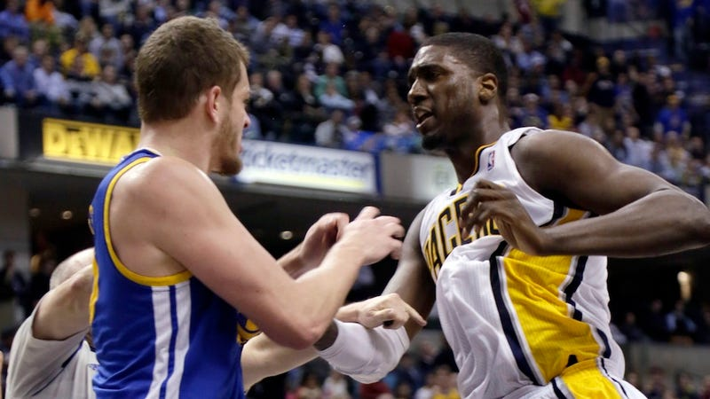 Illustration for article titled Roy Hibbert And David Lee Kindly Express Their Distaste For Each Other