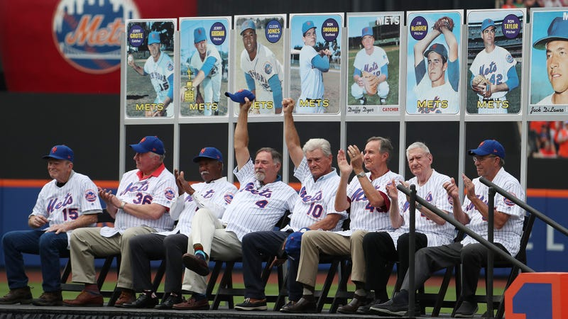 Illustration for article titled Mets Include Two Still-Living Former Players In Memorial Slideshow For 1969 Reunion [Update]