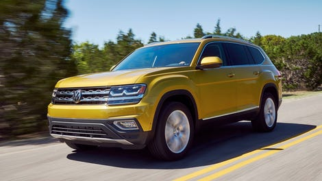 volkswagen atlas towed  classic vw race car   country