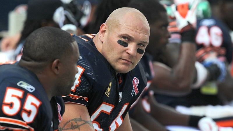 Illustration for article titled Brian Urlacher Confident He'll Be Ready To Sit Out Opener