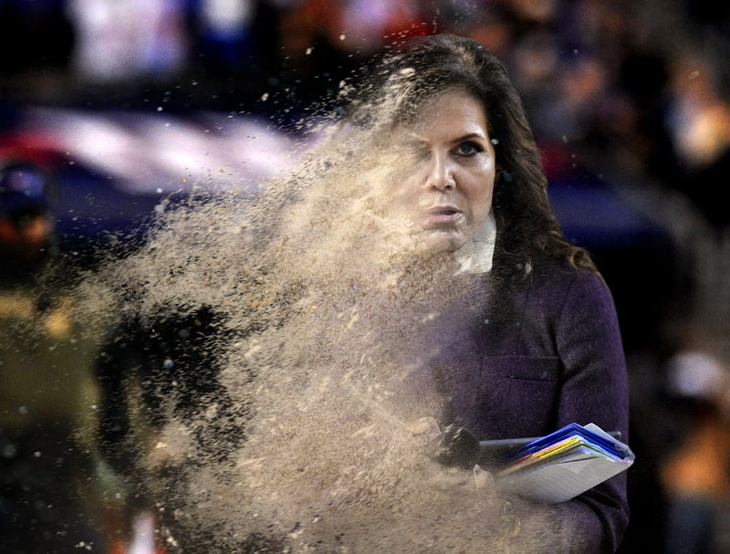 Illustration for article titled Michele Tafoya Crumbles To Dust After Speaking With Belichick At Halftime