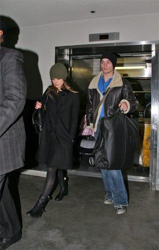 Illustration for article titled Keira Knightley, Boyfriend, Arrive In L.A. In Full-On Winter Wear