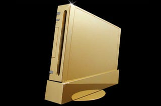 Illustration for article titled If You Are an Idiot, You May Want to Spend $490,000 in this Nintendo Wii Made of Gold