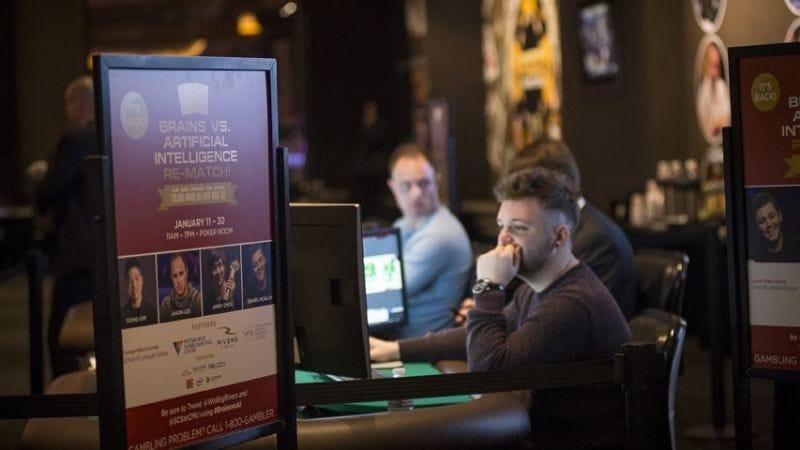 Un humano perdiendo al póker contra una inteligencia artificial. Imagen: Carnegie Mellon