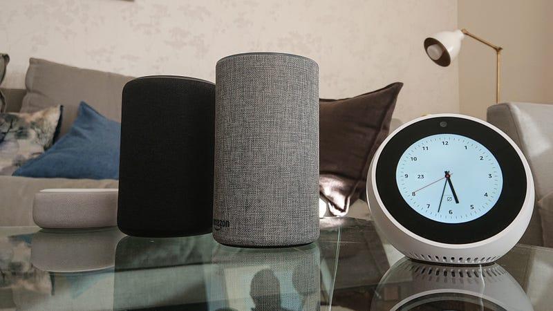De izquierda a derecha: Echo Dot, Echo Plus, Echo y Echo Spot. (Foto: Julio Cerezo)