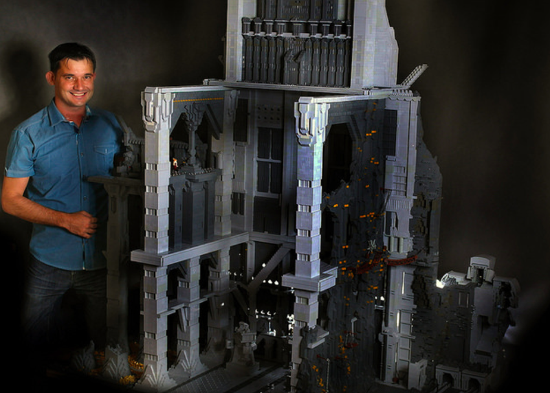 Illustration for article titled 120,000-piece Lego Erebor Is Twice the Size Of a Hobbit