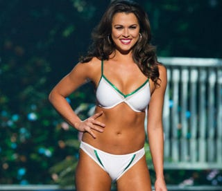 Illustration for article titled Miss Indiana Praised For 'Normal Body' In Miss USA Pageant