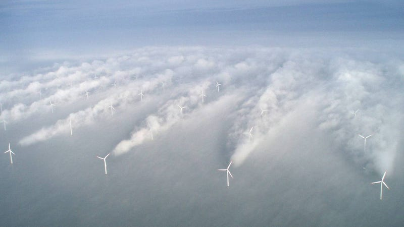 Illustration for article titled Massive offshore turbine arrays would help us harness hurricanes