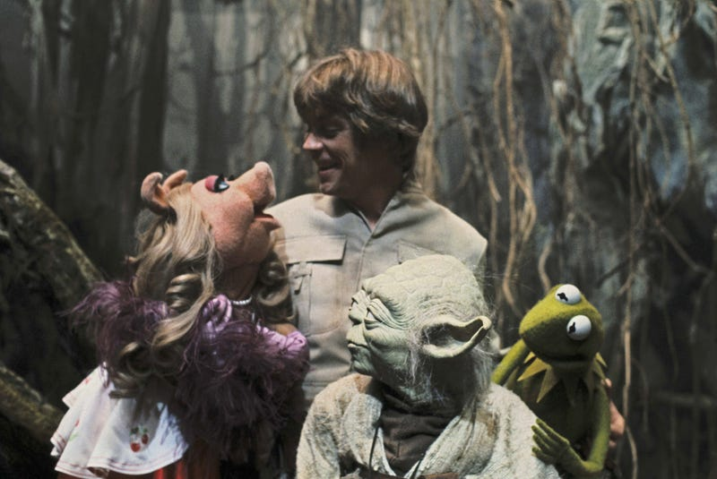 Illustration for article titled The Muppets Visited The Empire Strikes Back Set, And It Was Wonderful
