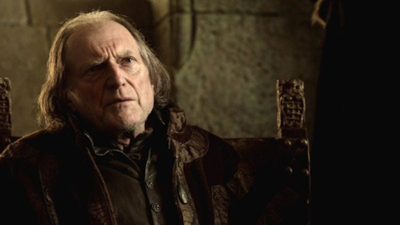 Illustration for article titled The guy who plays Walder Frey on Game Of Thrones took a pretty fun pic with a fan