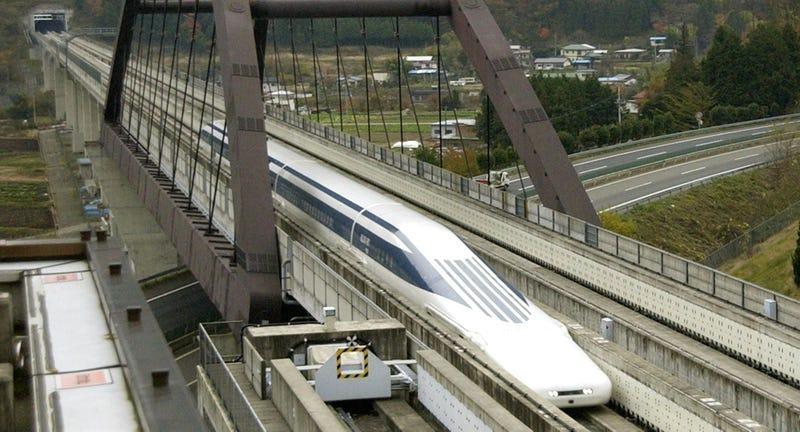 Illustration for article titled Japón bate nuevo récord con su tren de levitación magnética: 590 km/h