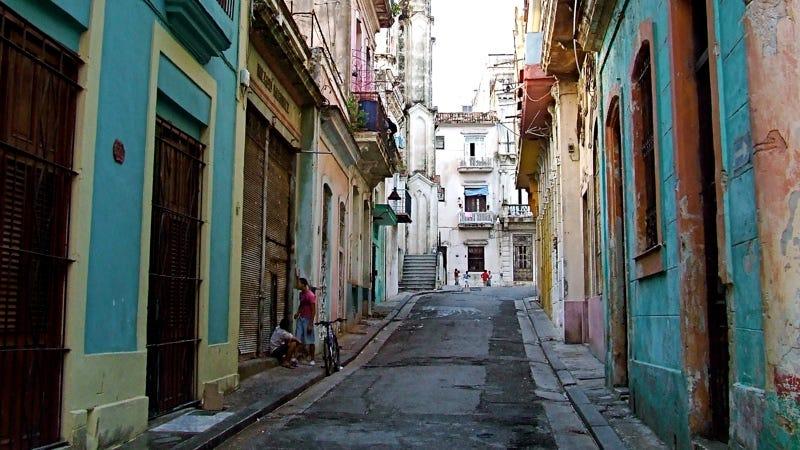 Illustration for article titled La banda ancha llega a Cuba, el país con menor penetración de Internet en el mundo