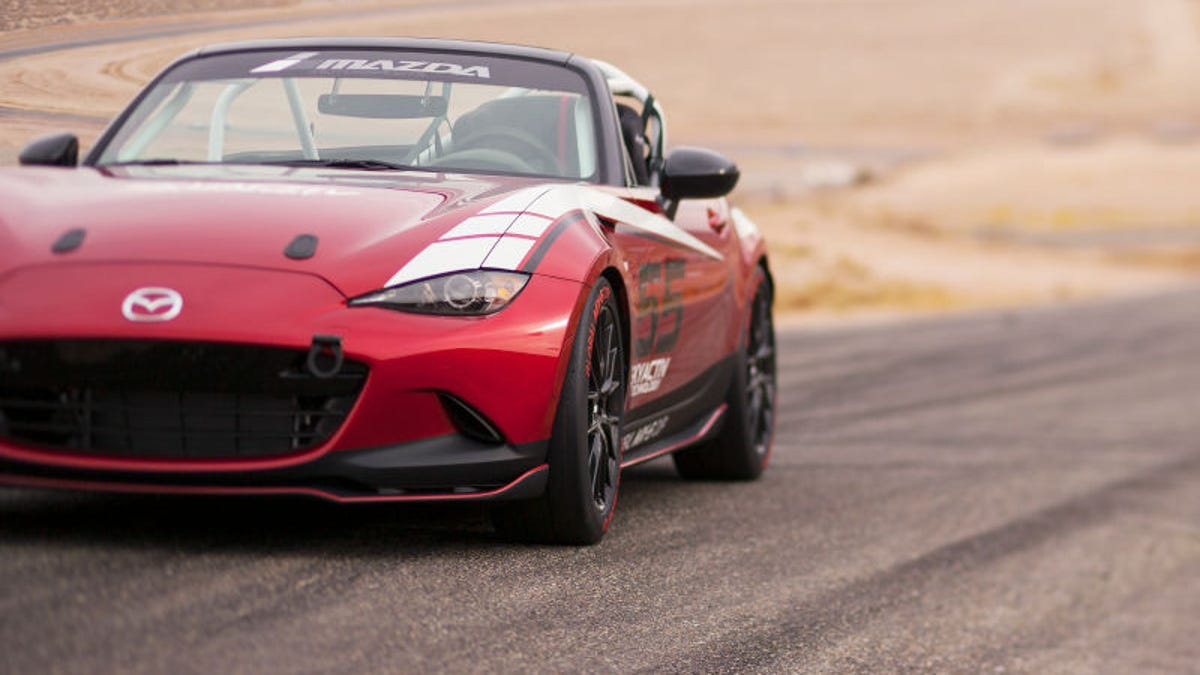 Here\'s How Much The 2016 Global Mazda MX-5 Cup Race Car Will Cost
