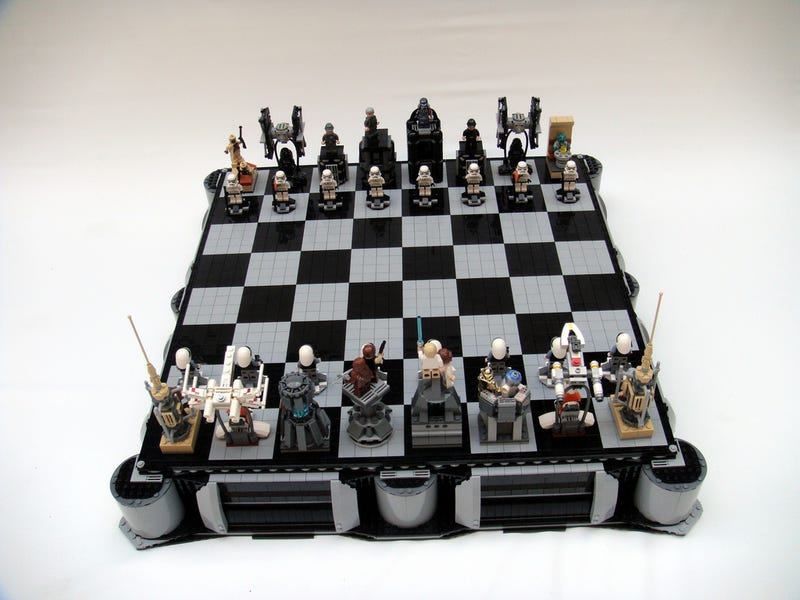Illustration for article titled New Hope Chess Gallery