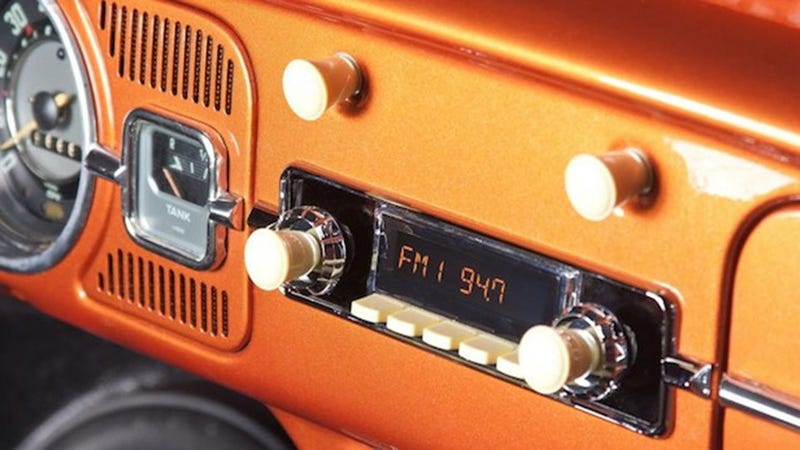 Illustration for article titled Fit This Radio Into Your Classic Caddy, Play It With Your Smartphone