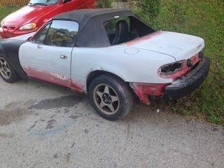 Illustration for article titled I found your $1000 Miata project.