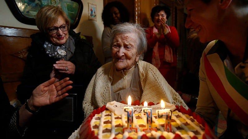 Emma Morano celebrates her 117th birthday last fall. (Photo:  Xinhua News Agency / Getty Images)