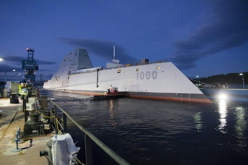 El destructor más avanzado de la marina estadounidense suelta amarras