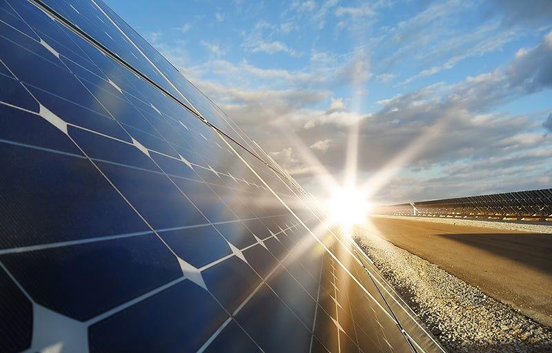 Illustration for article titled ¿El combustible del futuro? Crean hidrógeno a partir de agua y luz
