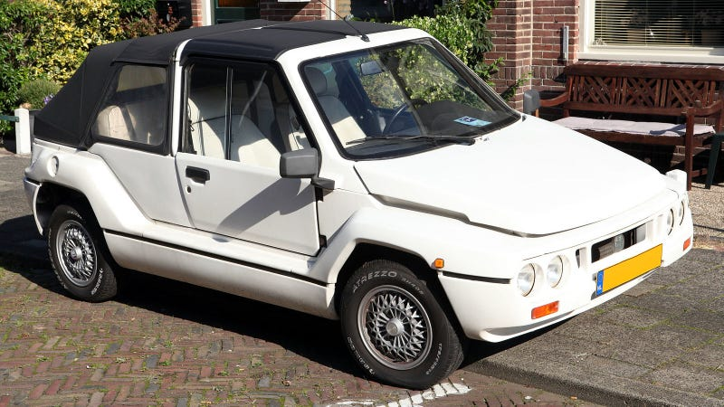 Illustration for article titled The Mega Tjaffer is the Customizable Plastic Pseudo-Citroën of My Dreams