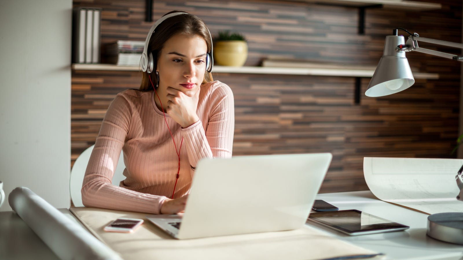 Increase Your Productivity By Listening to White Noise While You Work