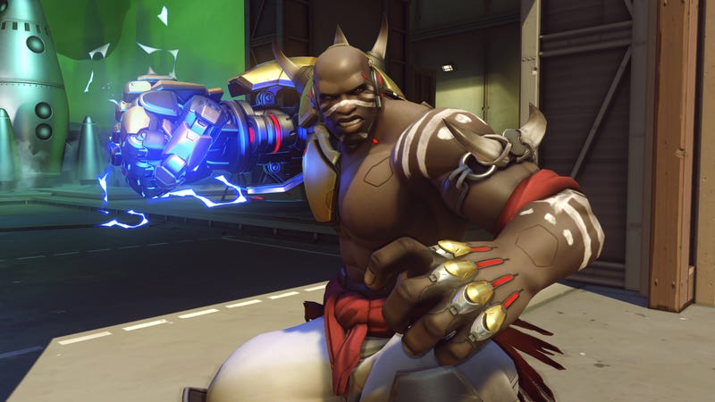 Illustration for article titled Pro Doomfist Has Clutch Reaction To Tracer Ultimate