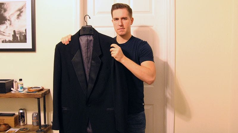 Illustration for article titled When This Man Lost His Job, He Didn't Know What To Do—3 Years Later, He Co-Owns A Dinner Jacket