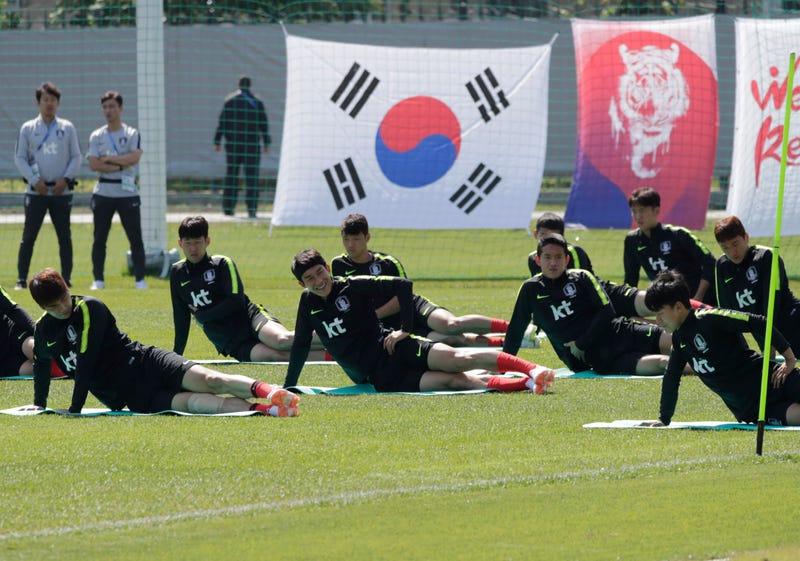 Illustration for article titled Por qué Corea del Sur trató de engañar a Suecia en el Mundial de Rusia intercambiando las camisetas de sus jugadores durante los entrenamientos