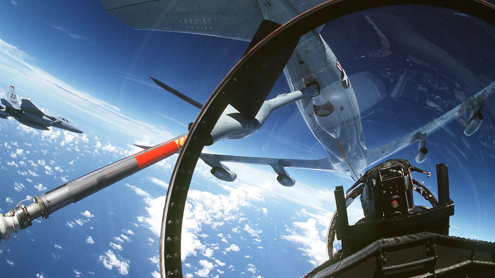 How Fighter Jets Lock On (and How the Targets Know)