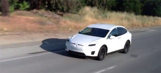 Illustration for article titled Why Is This Tesla Model X Prototype Swerving On The Freeway?