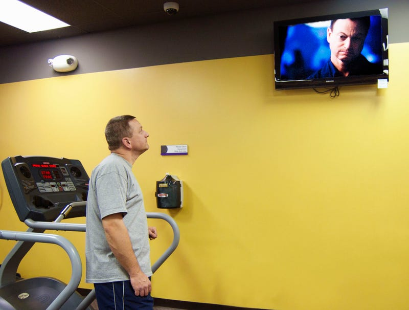 Illustration for article titled Man At Gym Just Watching TV