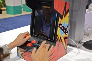 Illustration for article titled Hands-On With the Ion Audio iPad iCade: Buttons Fit For Mashing