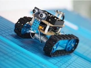 Illustration for article titled Build Your Own Robot: Save 50% On The Makeblock Arduino Starter Kit